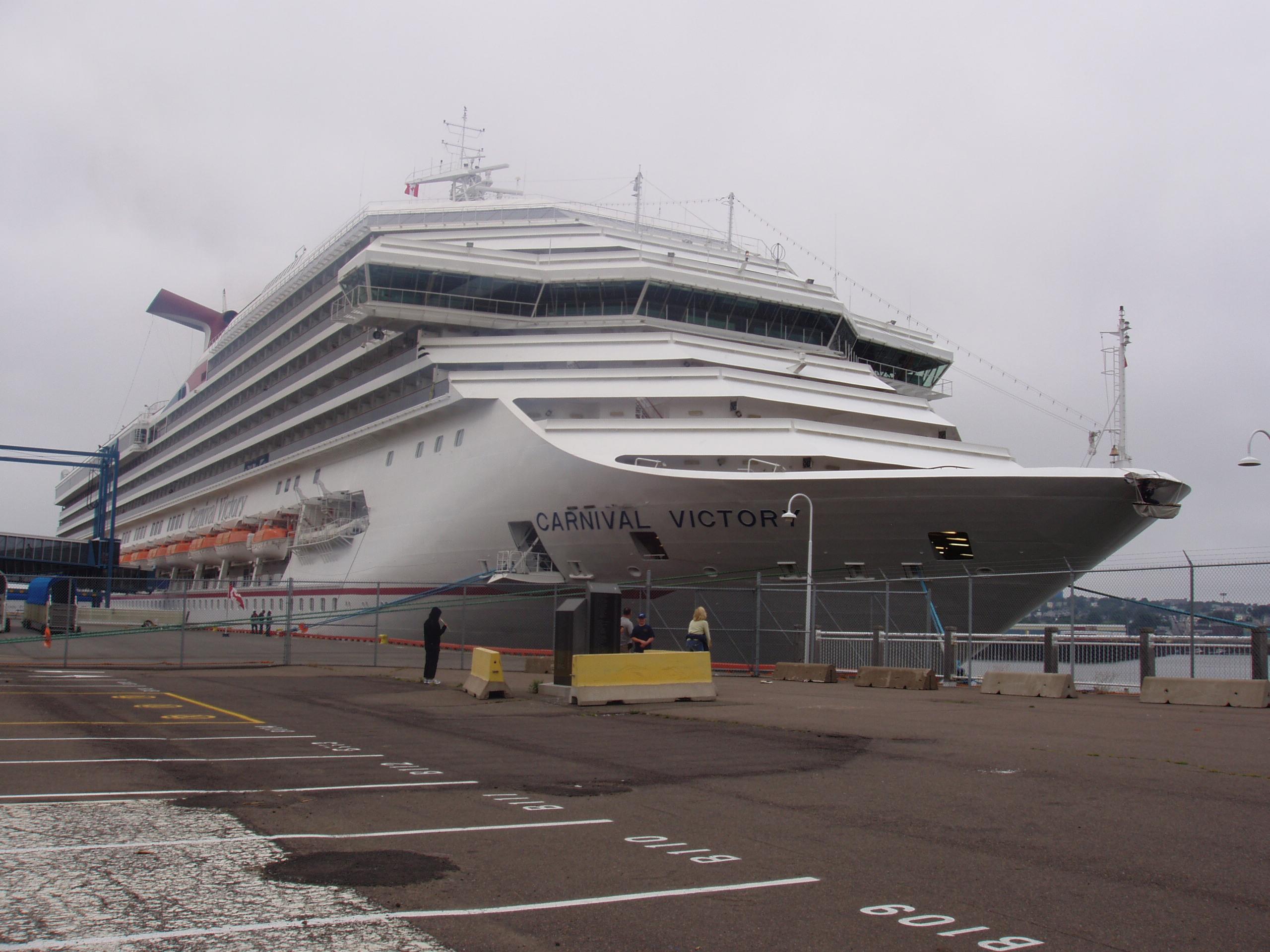 File:Carnival Cruise Ship.jpg - Wikimedia Commons
