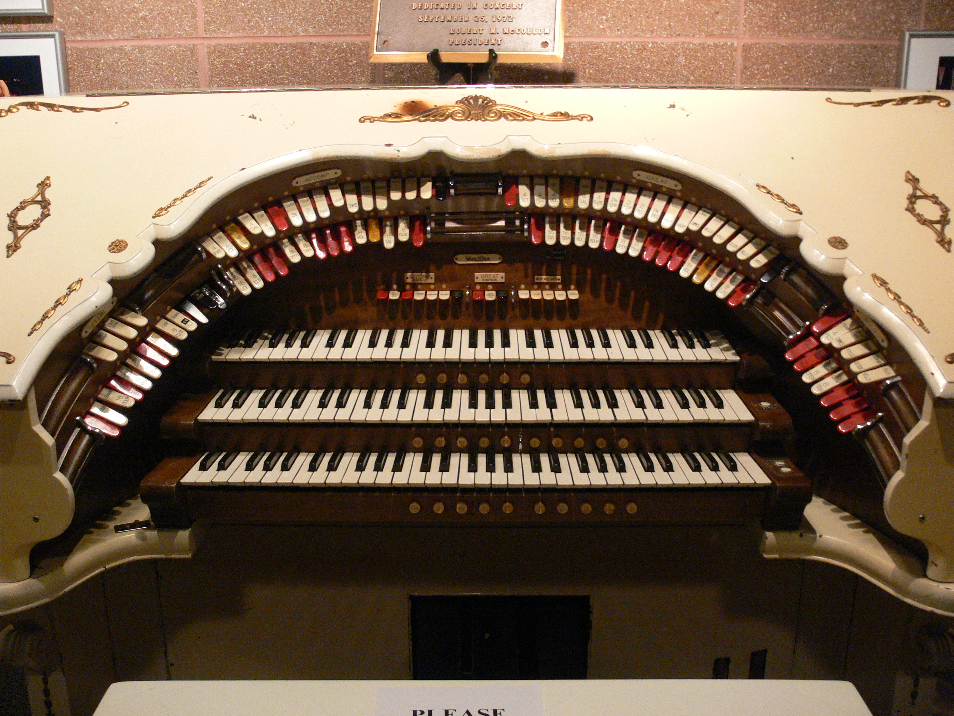 Casa_Manana_Mighty_Wurlitzer_2.jpg