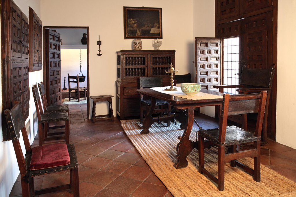 Lopismo wikipedia la enciclopedia libre for Casa muebles madrid