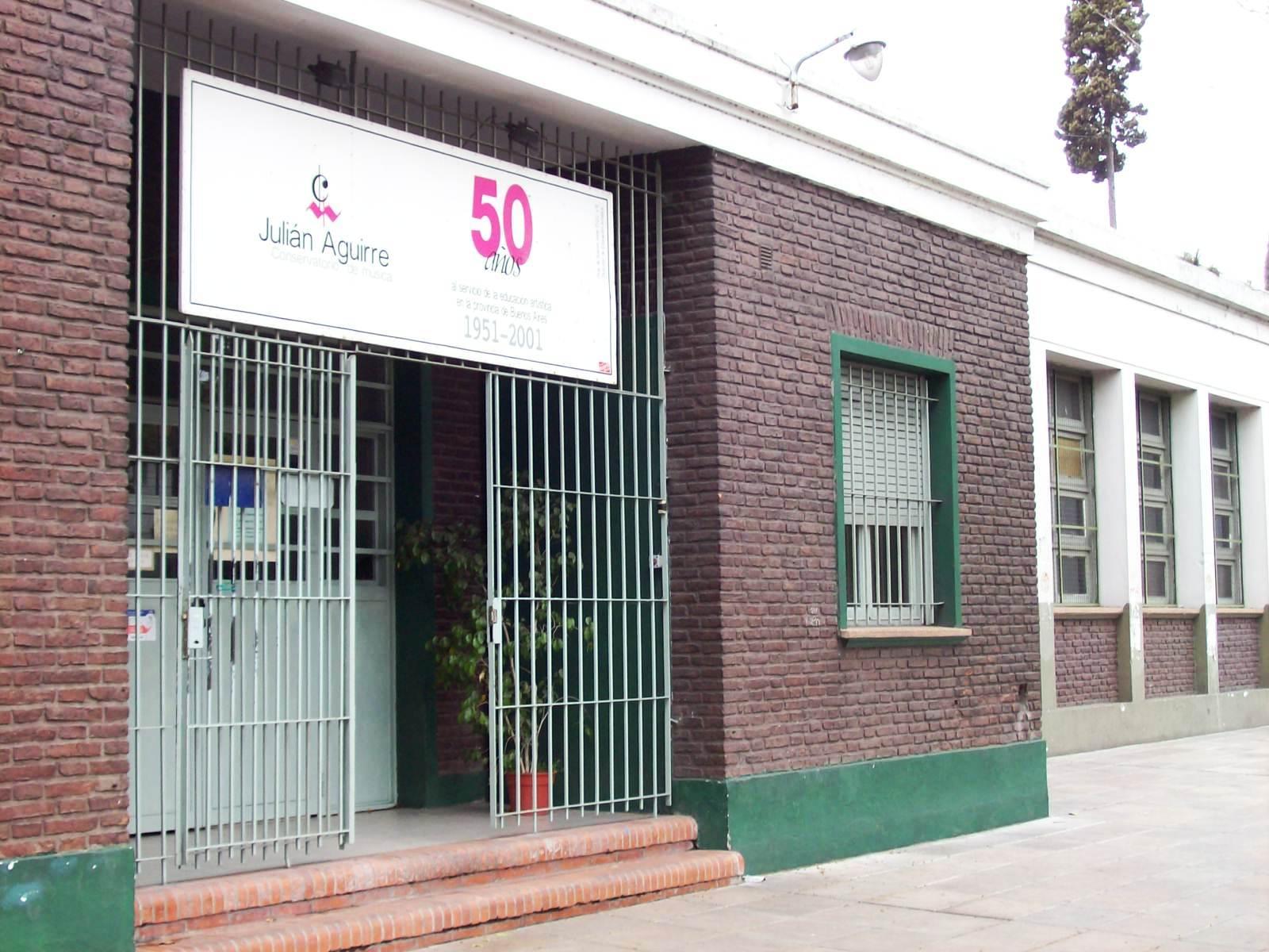El Conservatorio Julián Aguirre, situado en la localidad de Banfield, fue fundado por Alberto Ginastera en 1951.