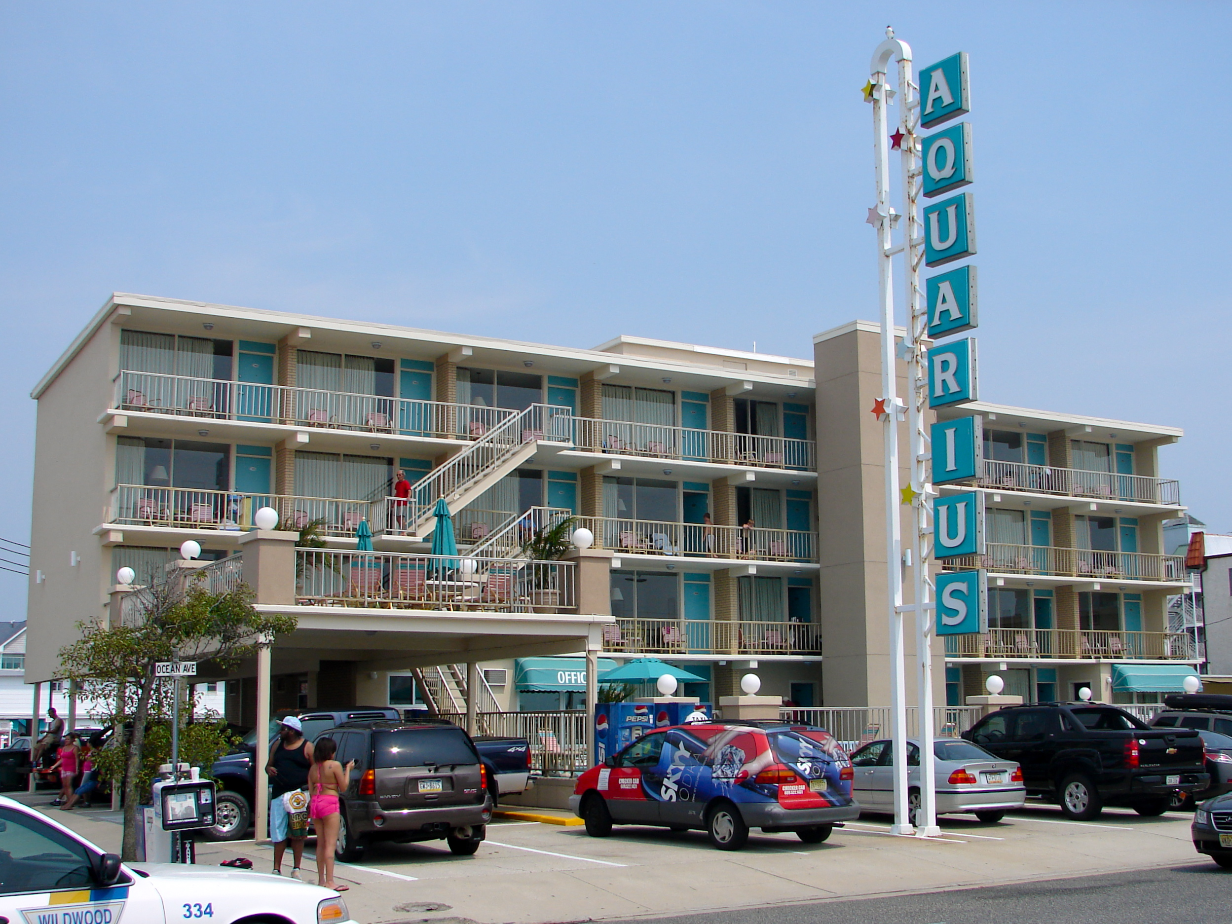 1000 images about motel exterior on pinterest for Motel exterior design
