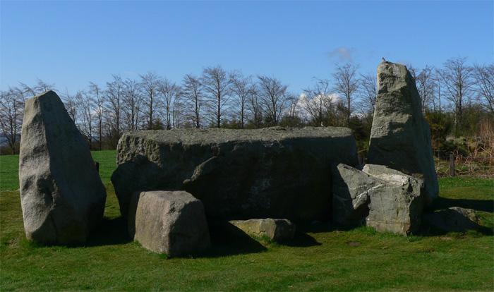 Bestand:Easter Aquhorthies Stone Circle 02.jpg