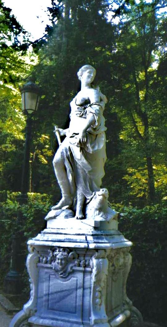 File estatua de los jardines del palacio de san ildefonso for Jardines de san ildefonso