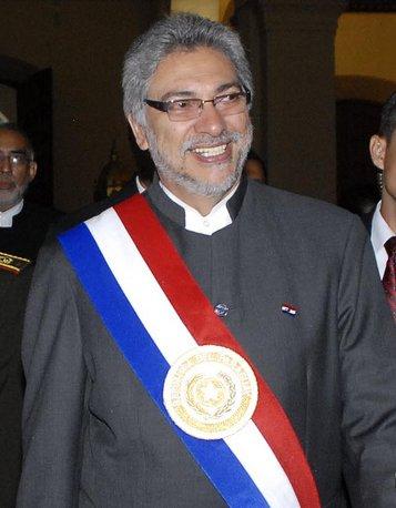 Archivo:Fernando Lugo Mendez (copyred).jpg