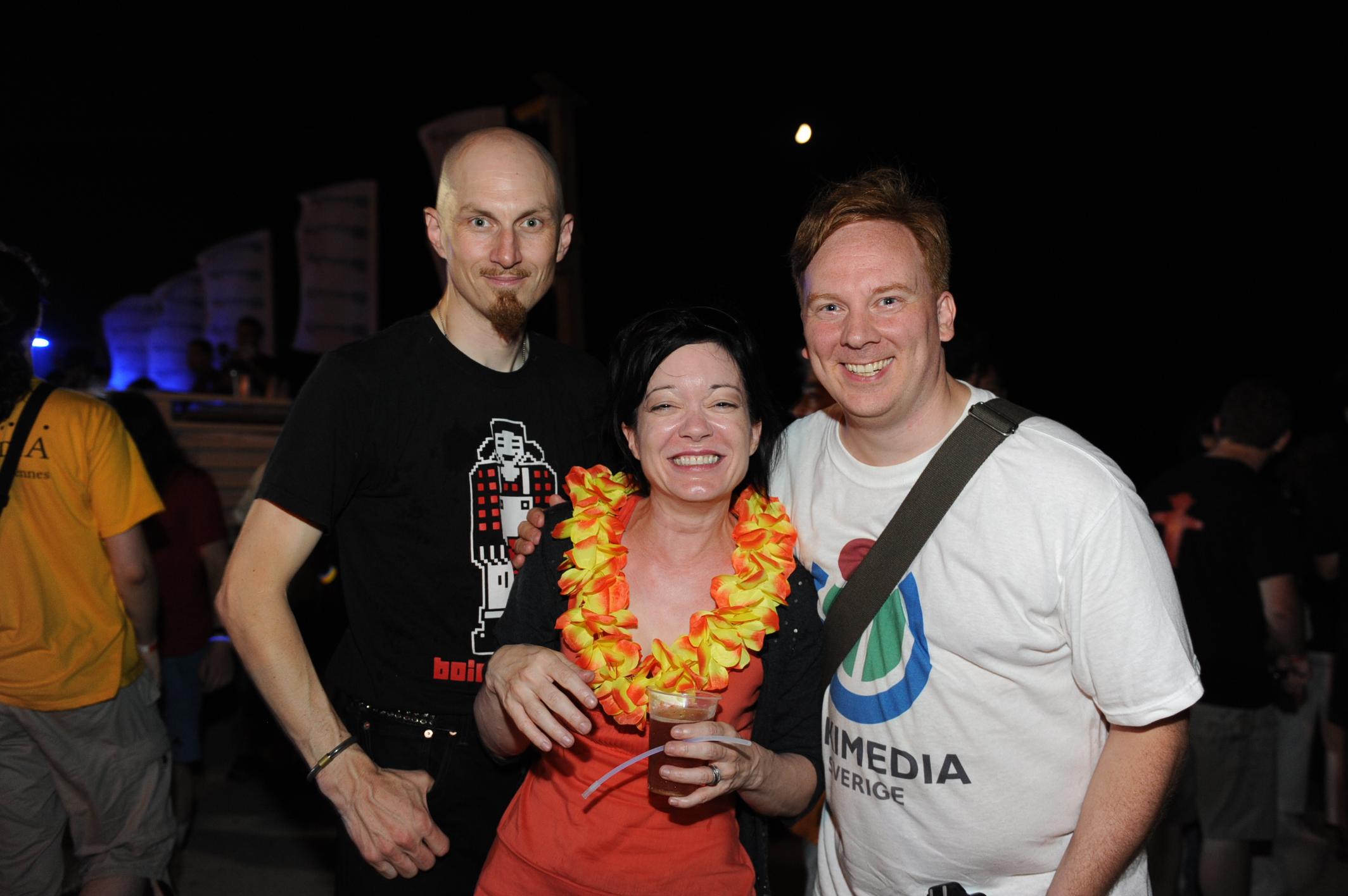 Jag (till höger) med Sue Gardner (i mitten) och Aaron Muszalski, från Wikimedia Foundation