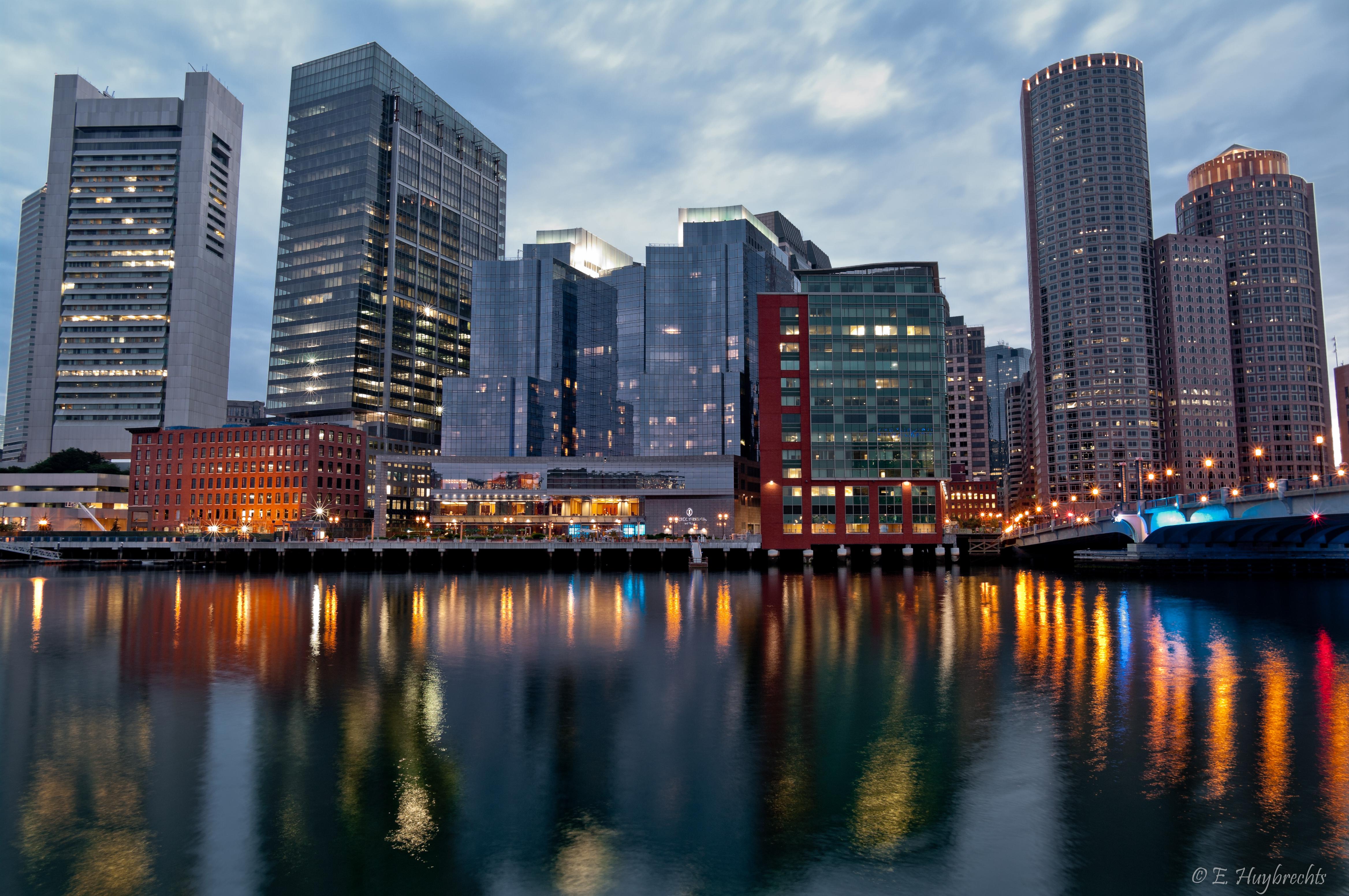Boston Seaport District Luxury Homes & Condos