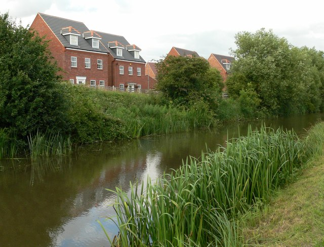 File:Grand Union Canal - geograph.org.uk - 481501.jpg