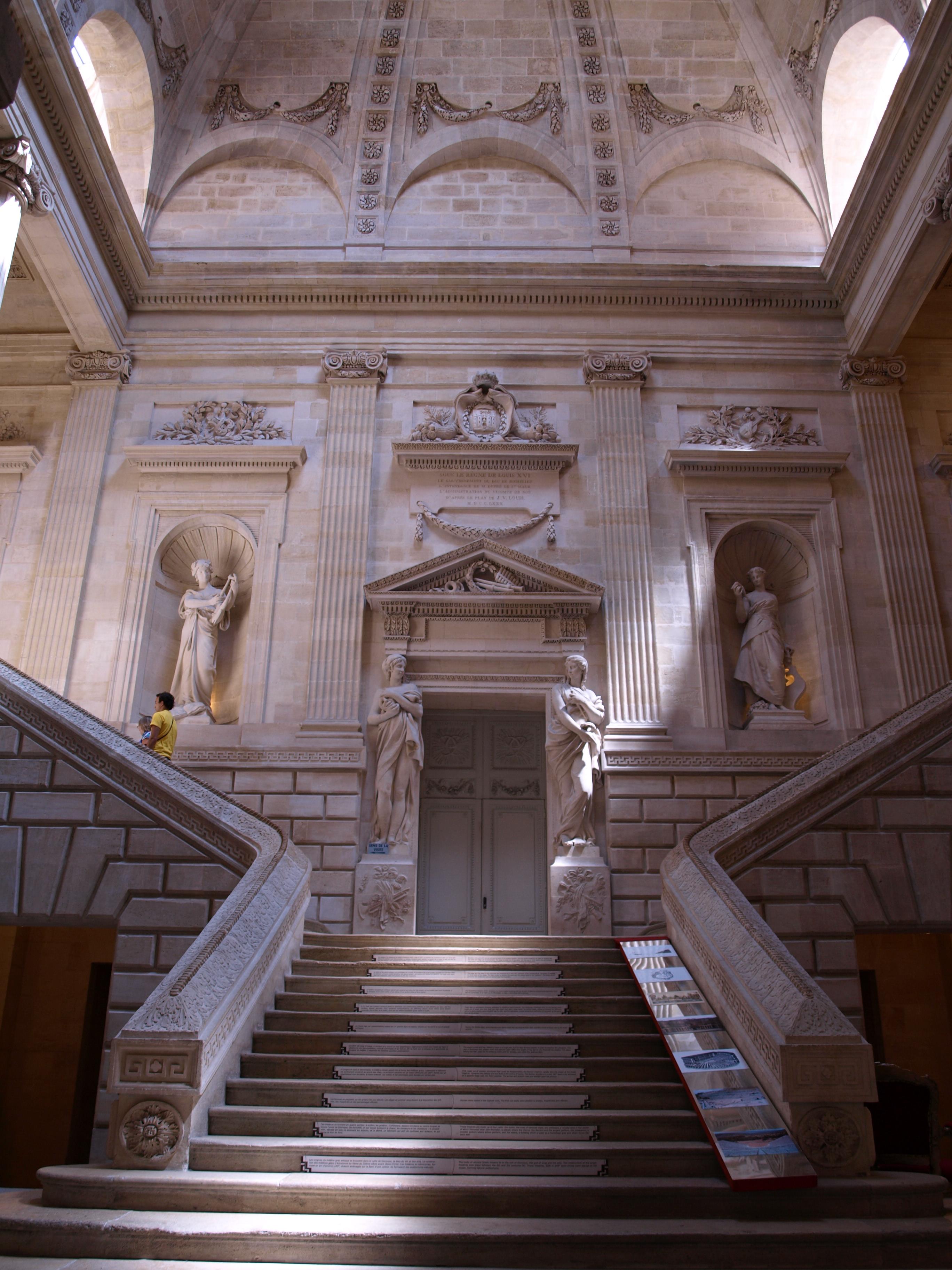 File Grand Escalier De L Op 233 Ra De Bordeaux Jpg Wikimedia