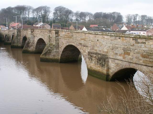 File:Guardbridge, old bridge - geograph.org.uk - 136888.jpg