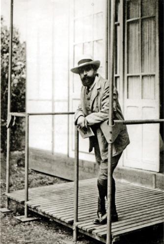 Henri Manguin outside his studio, c.1910