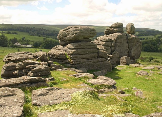 Hound Tor - geograph.org.uk - 860825