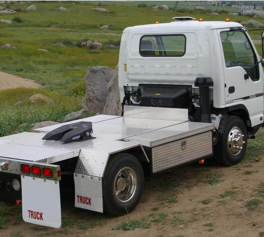 File:Isuzu N-Series Sport Tractor 02 jpg - Wikimedia Commons