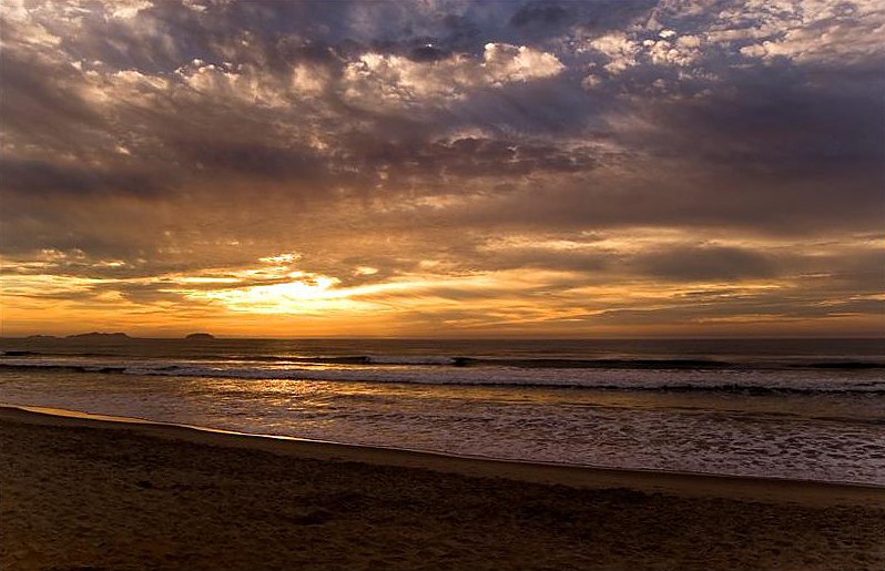Itamambuca Beach by http://www.flickr.com/photos/tatianasapateiro/
