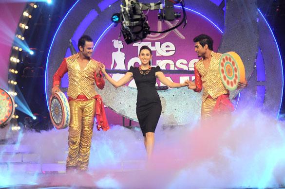 File:Karisma Kapoor graces the finale of UTV Stars 'Lux The Chosen One' 01.jpg