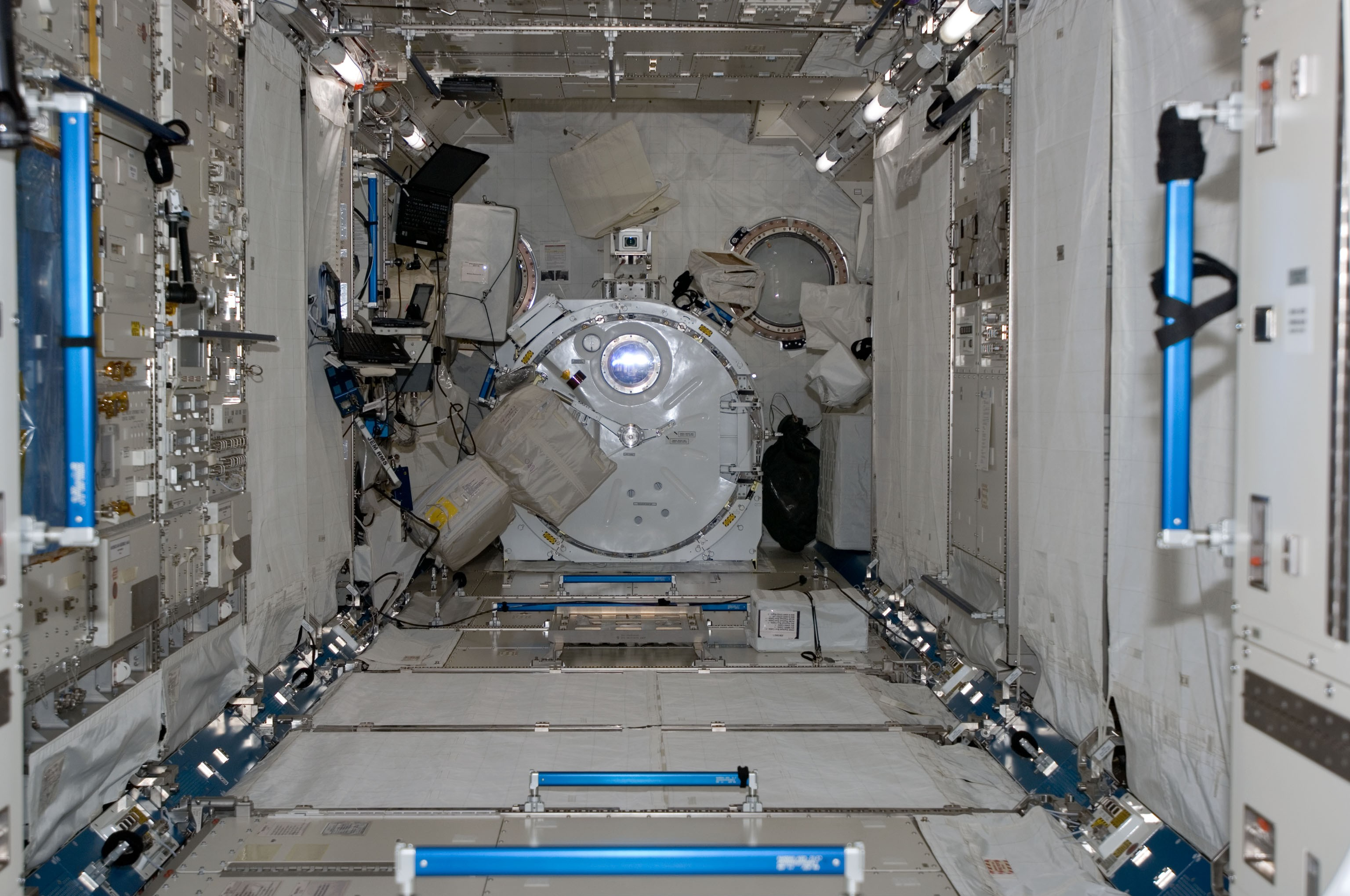 inside space station images - photo #18