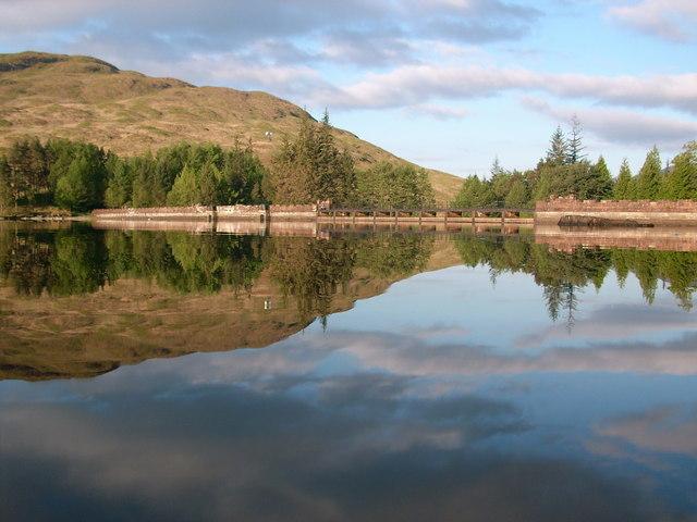Loch Arklet dam - geograph.org.uk - 818958