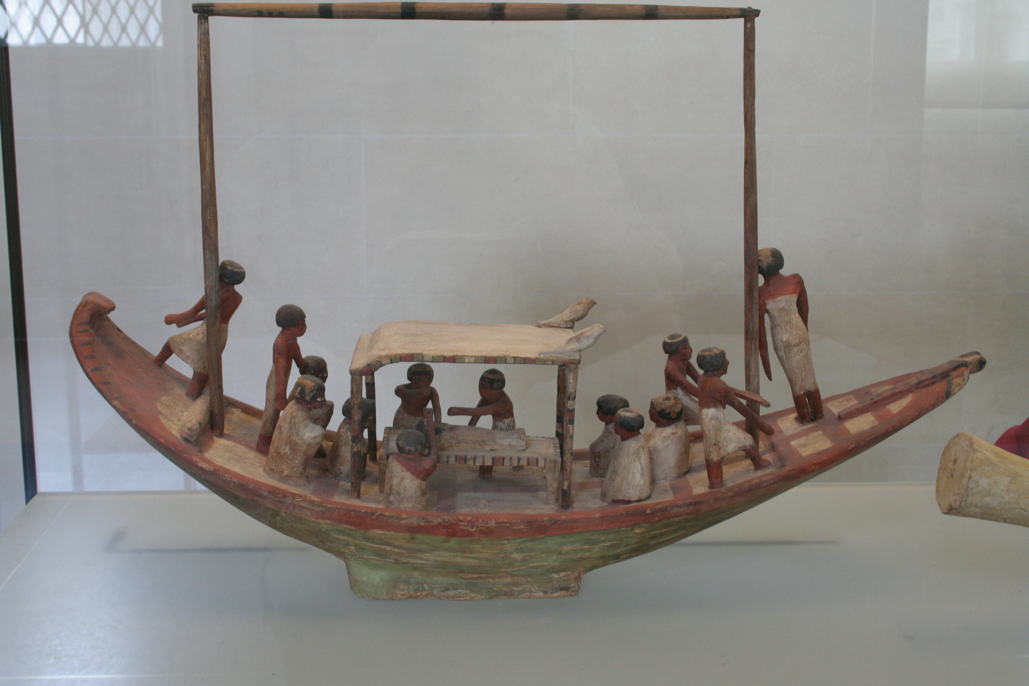 http://upload.wikimedia.org/wikipedia/commons/7/7f/Louvre_modele_bateau.JPG