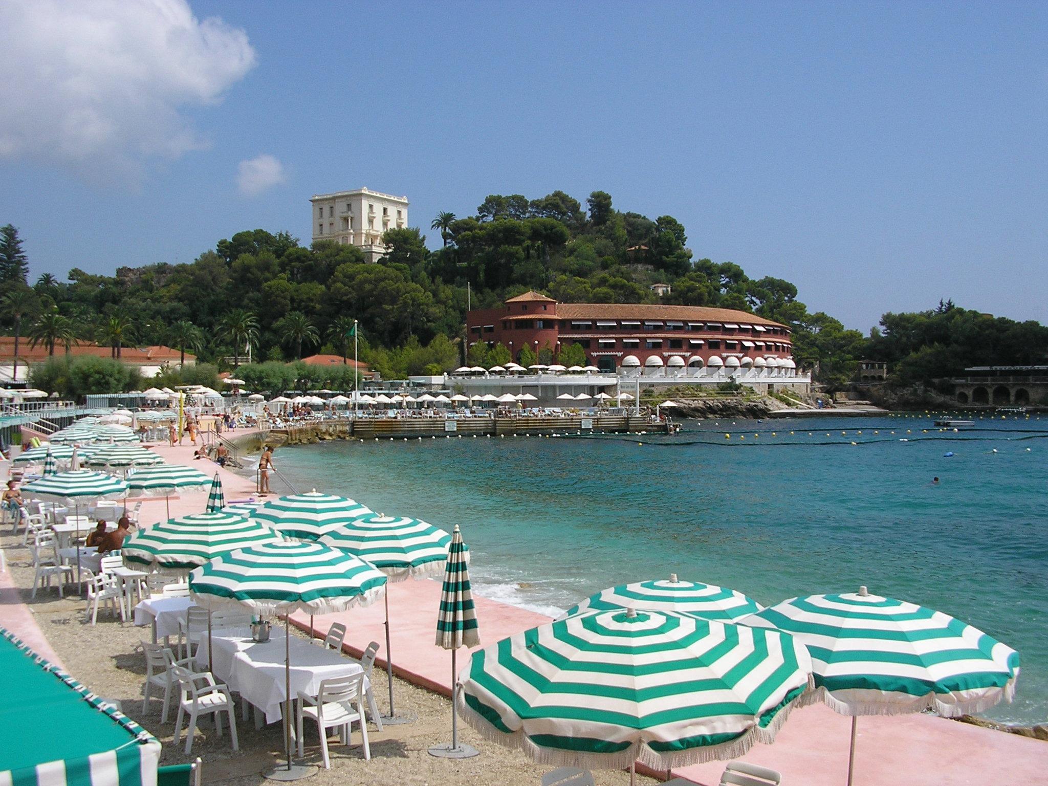 File Monte Carlo Beach Hotel 2 Panoramio Jpg