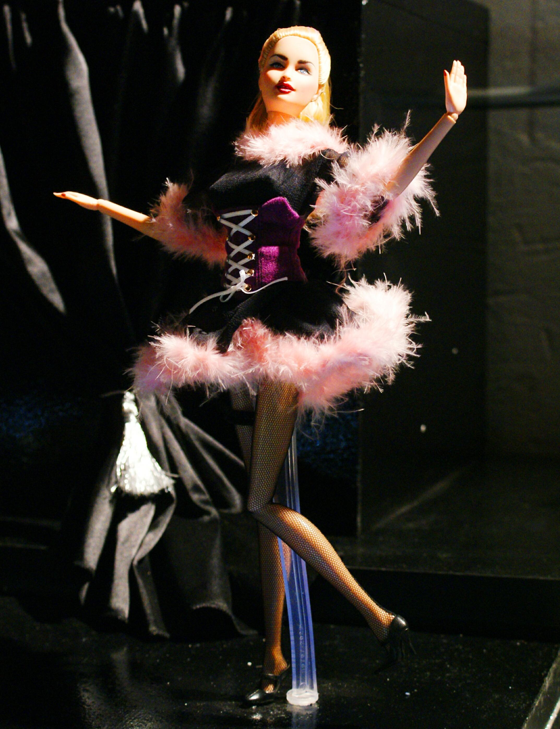 Madonna-blond_ambition-doll.jpg