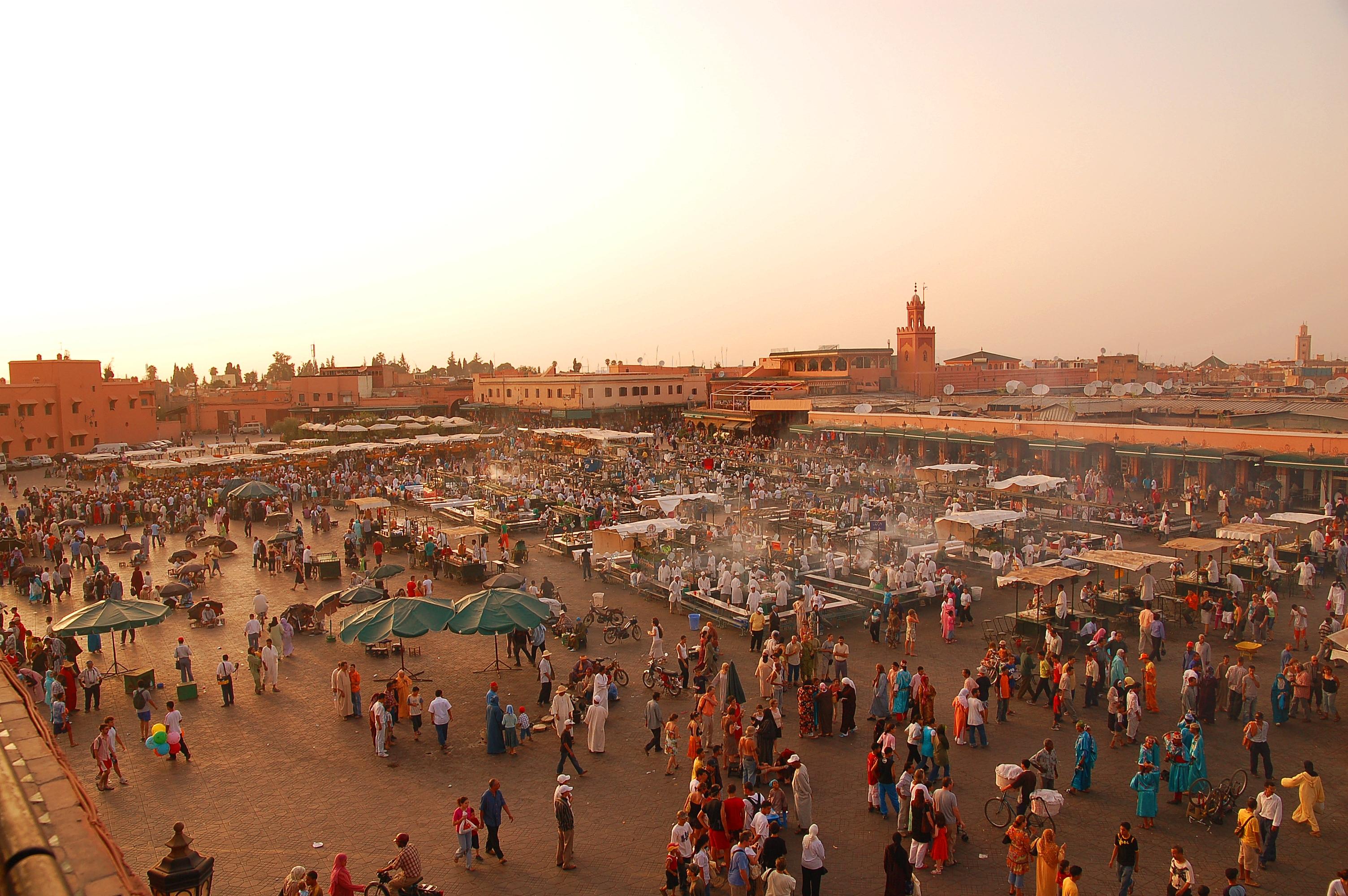 File:Maroc Marrakech Jemaa-el-Fna Luc Viatour.JPG - Wikimedia Commons