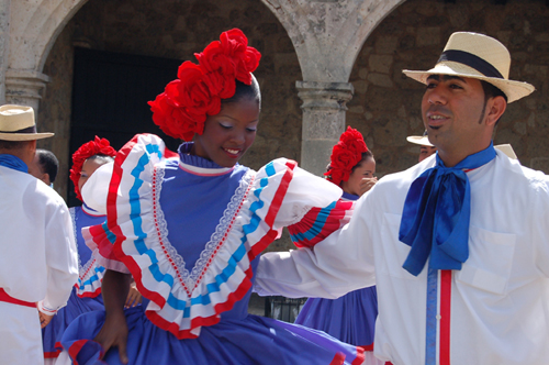 cultural and racial differences in the dominican republic Author maria v luna in the dominican republic on her way to celebrate carnival  in 2011  the term celebrates all of the racial, ethnic, and cultural origins that  have  yet dominican people see blackness in a different way, and some of the .