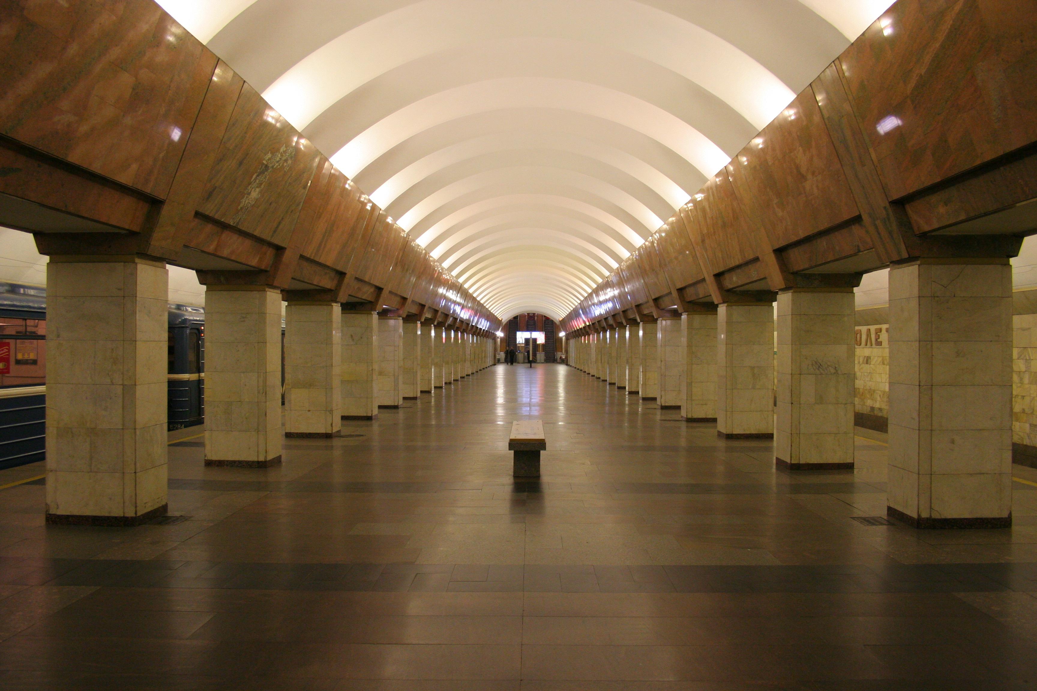 когда закроют метро рыбацкое