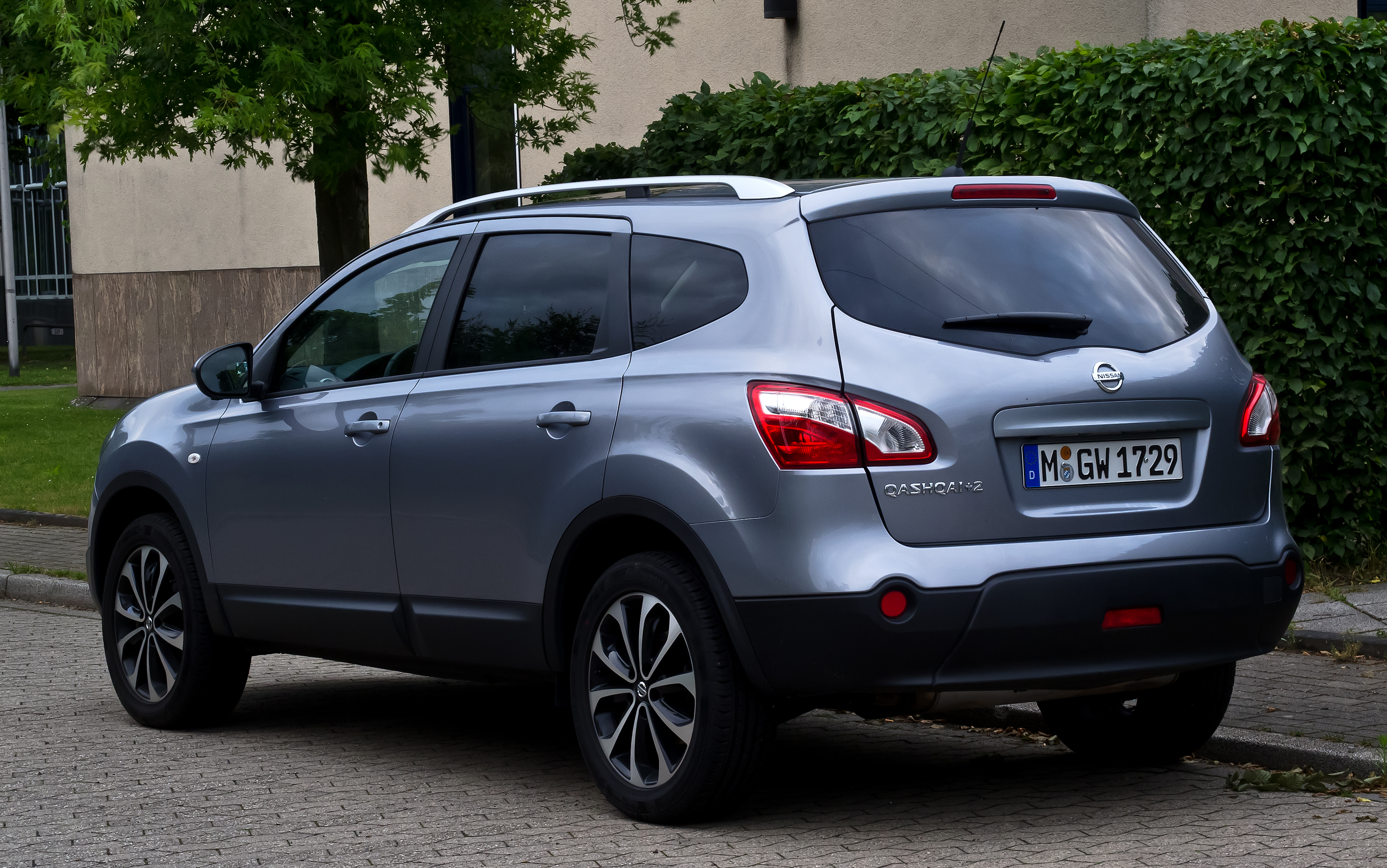 datei nissan qashqai 2 facelift heckansicht 8 juli 2012 wikipedia. Black Bedroom Furniture Sets. Home Design Ideas