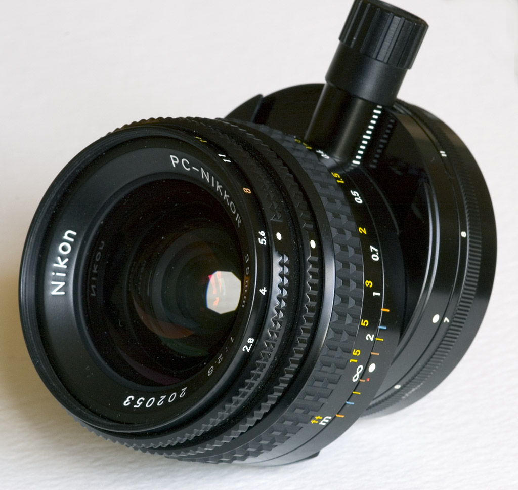 PC_<b>Nikkor</b>_35mm.jpg