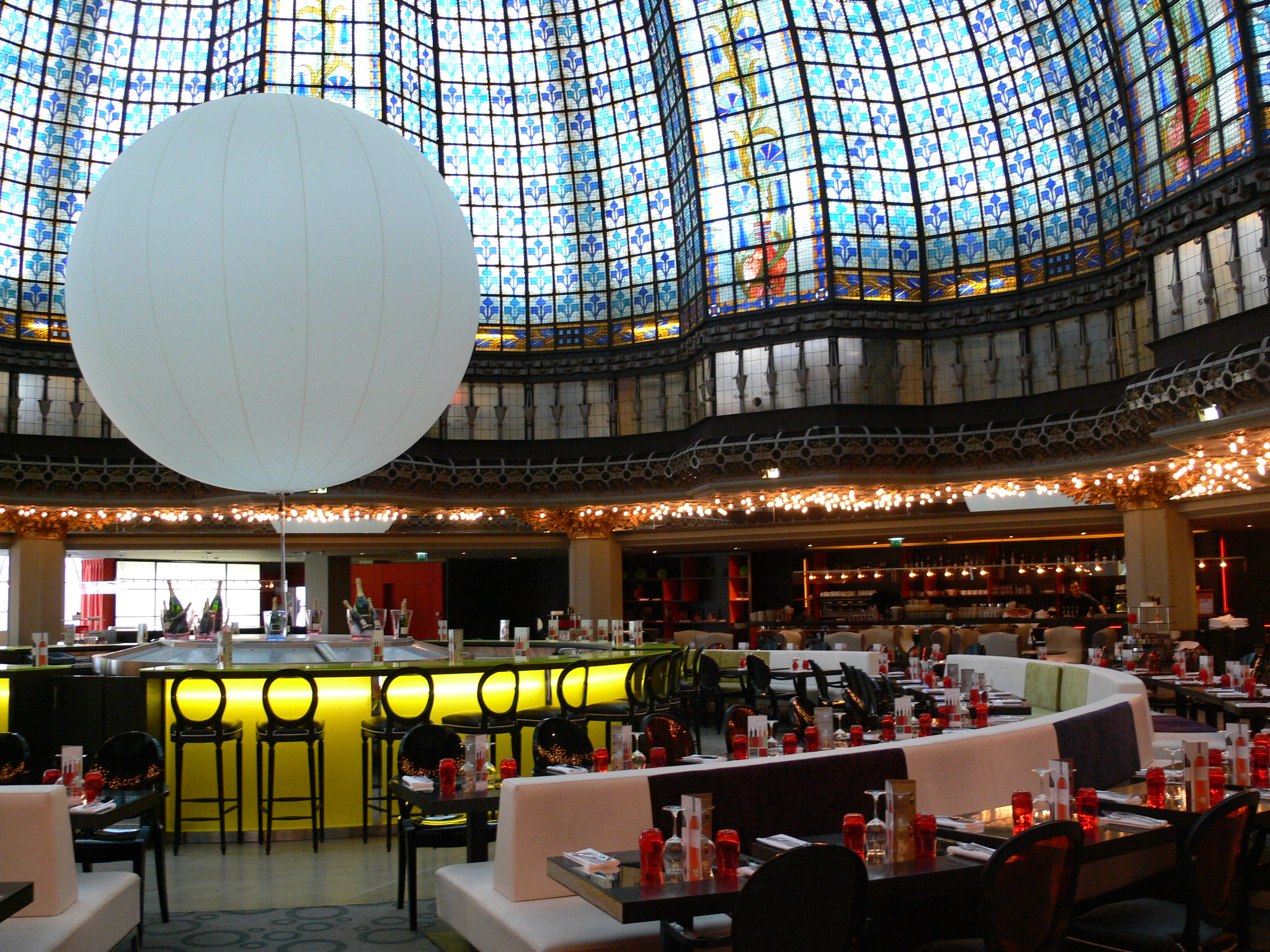 Le Dome Restaurant Paris
