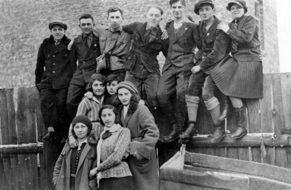 תנועת השומר הצעיר בפולין