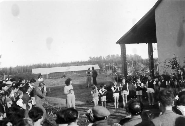 גן-שמואל-טו בשבט 1943-7