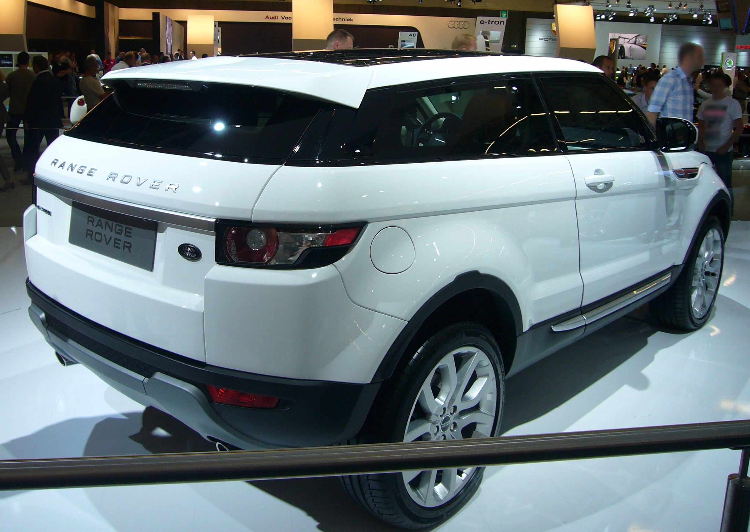 build your own range rover autos weblog. Black Bedroom Furniture Sets. Home Design Ideas