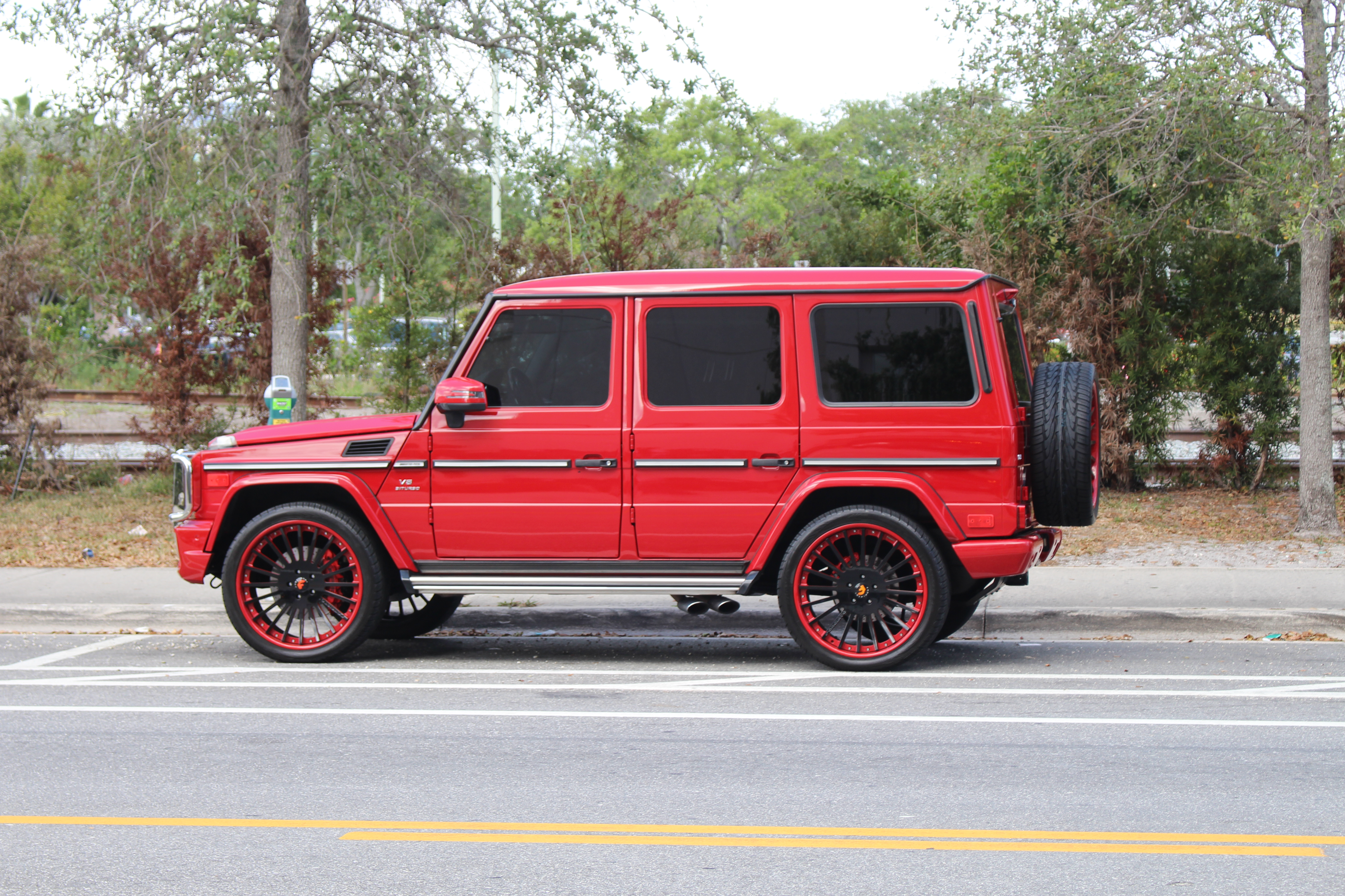 File:Red jeep, West Palm Beach.jpg - Wikimedia Commons