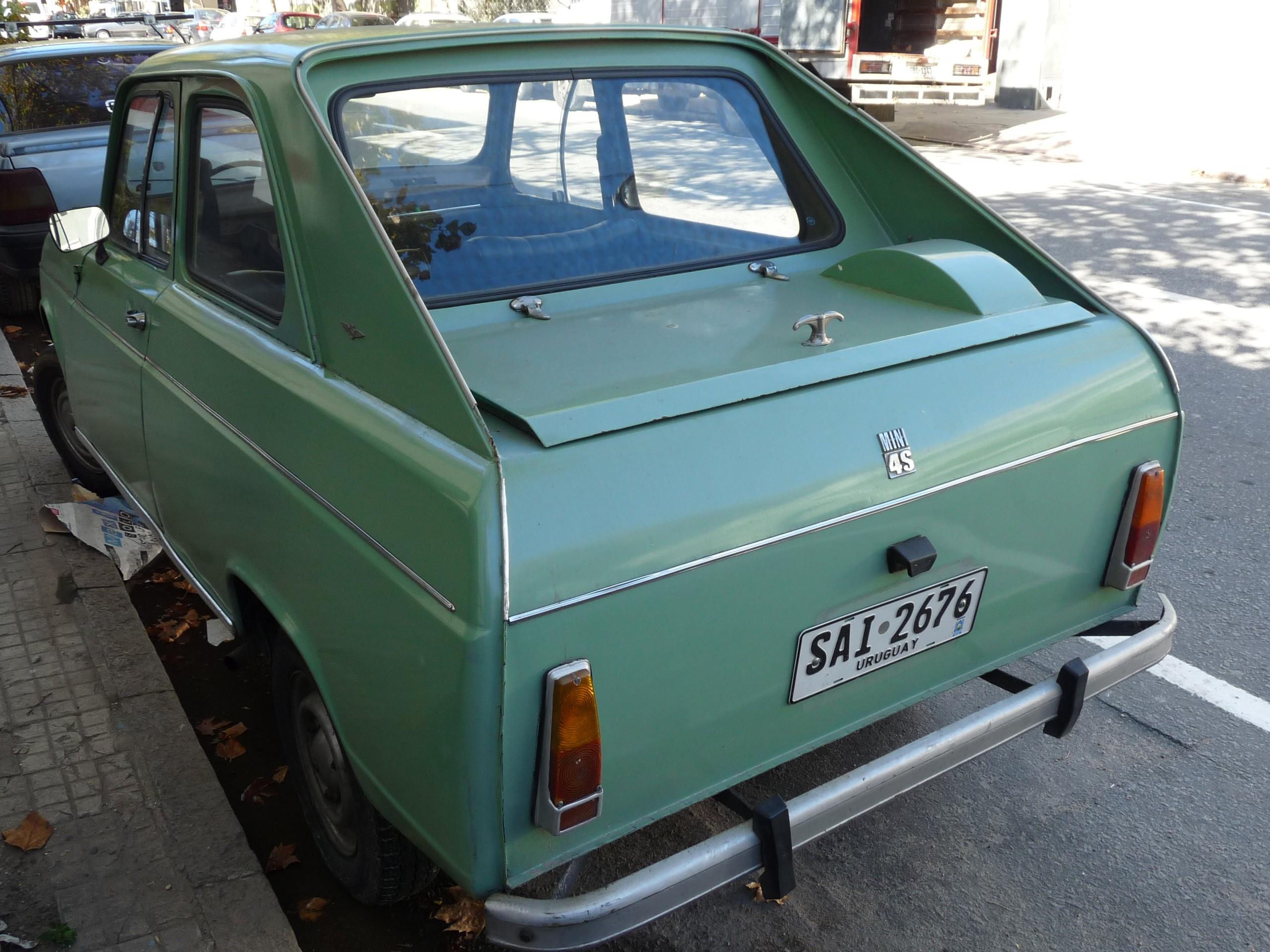 Renault_Mini_4S_(1971)_(3).JPG