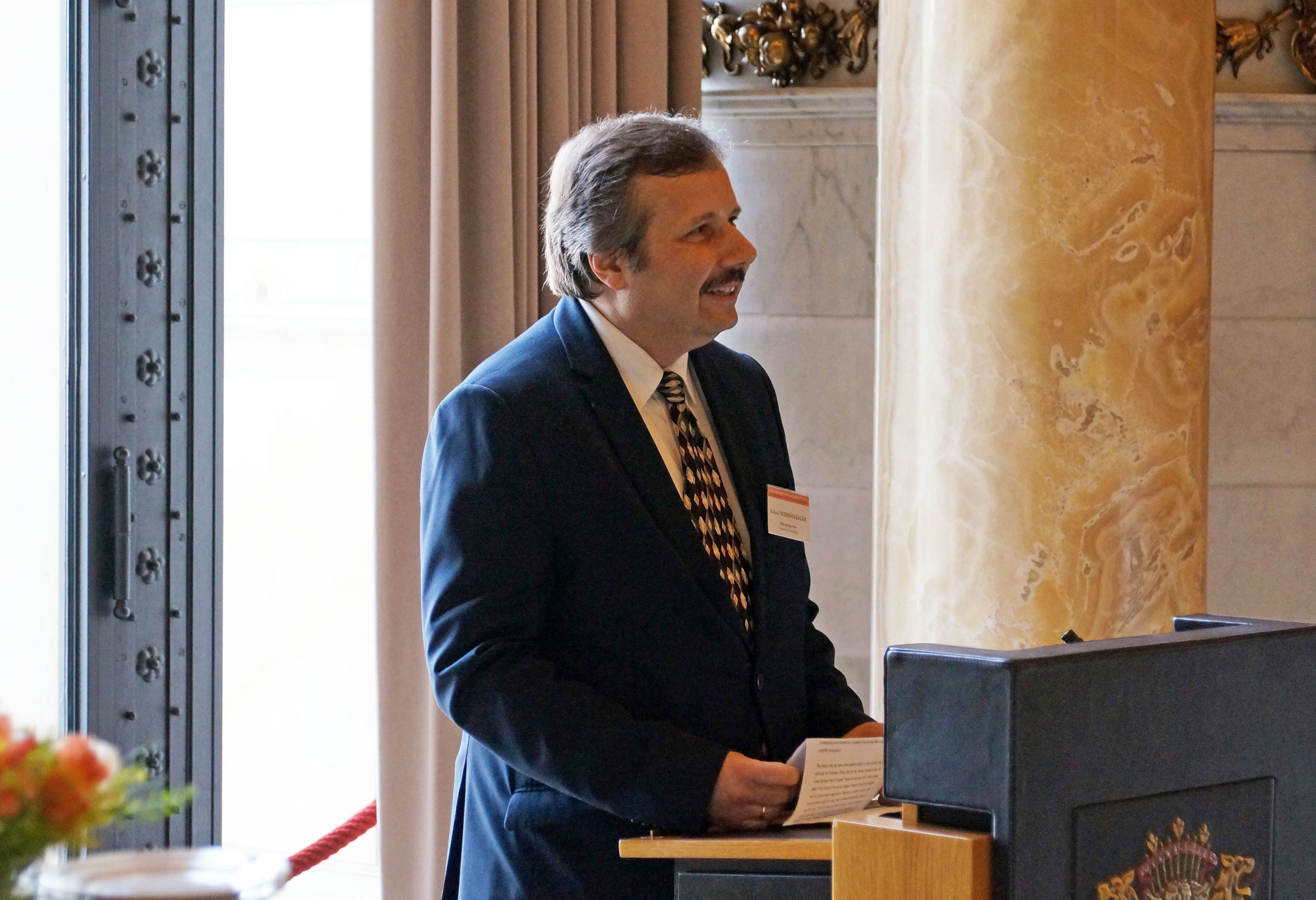 Roland Wiesendanger during the awarding of the Julius Springer Prize 2016