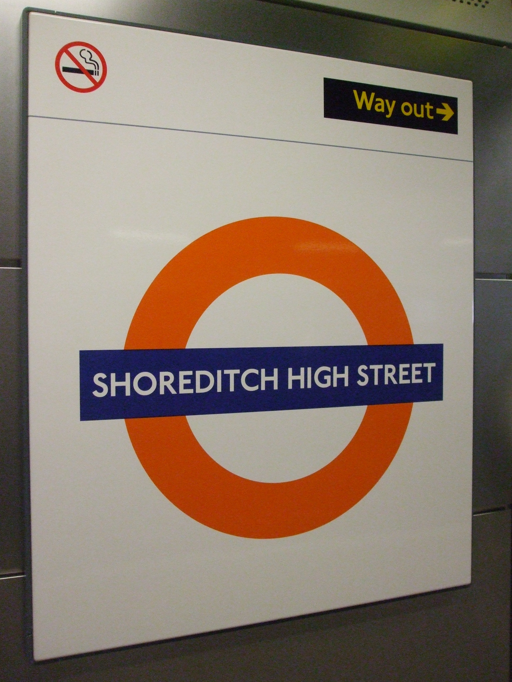 Shoreditch Station: File:Shoreditch High Street Stn Roundel.jpg