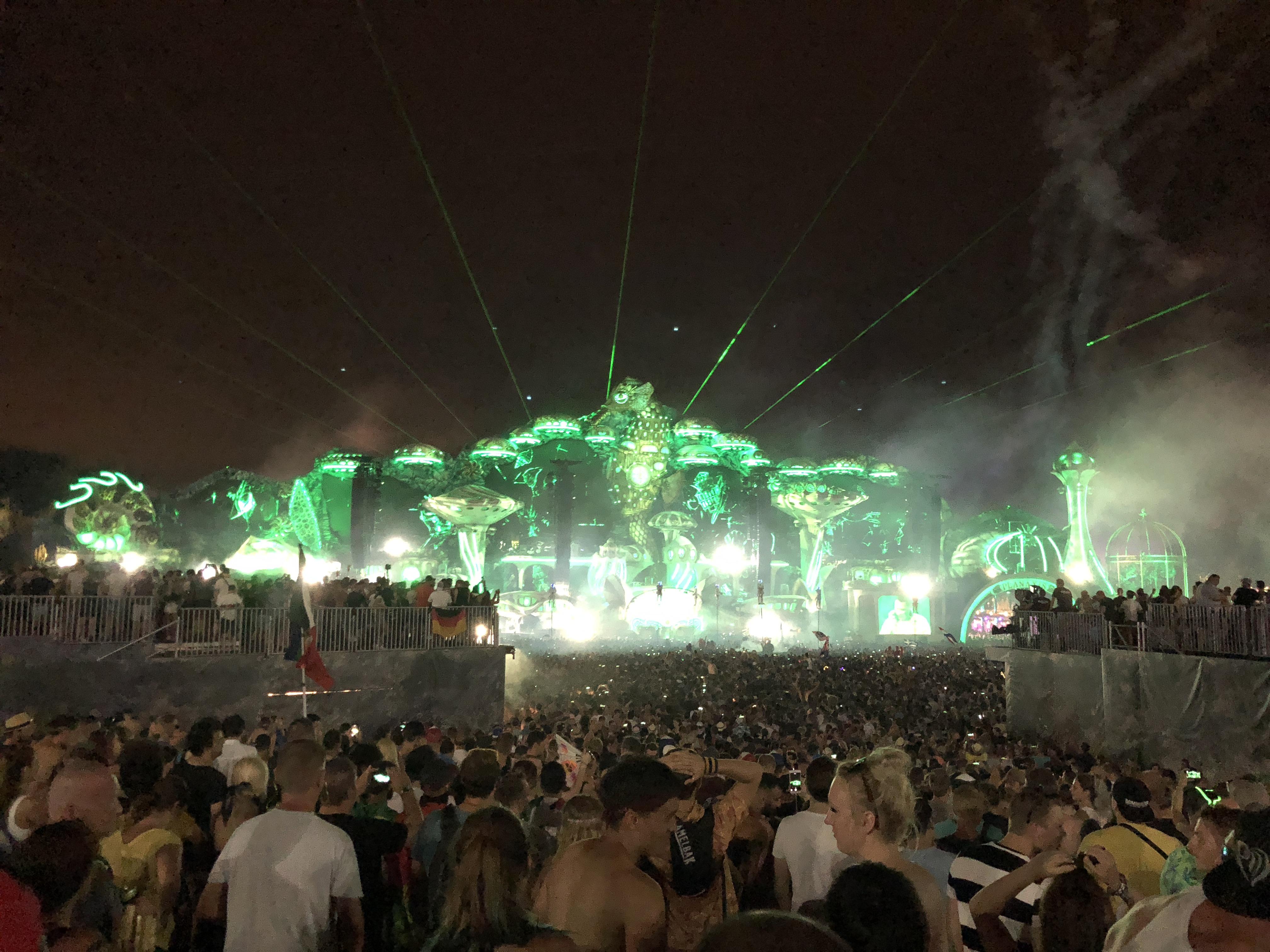 File:Tomorrowland 2018 Main Stage jpg - Wikimedia Commons