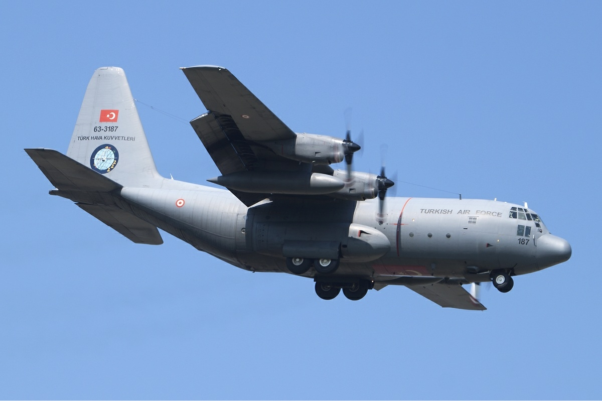 Elicottero C130 : Plik turkey air force lockheed c e hercules bakema