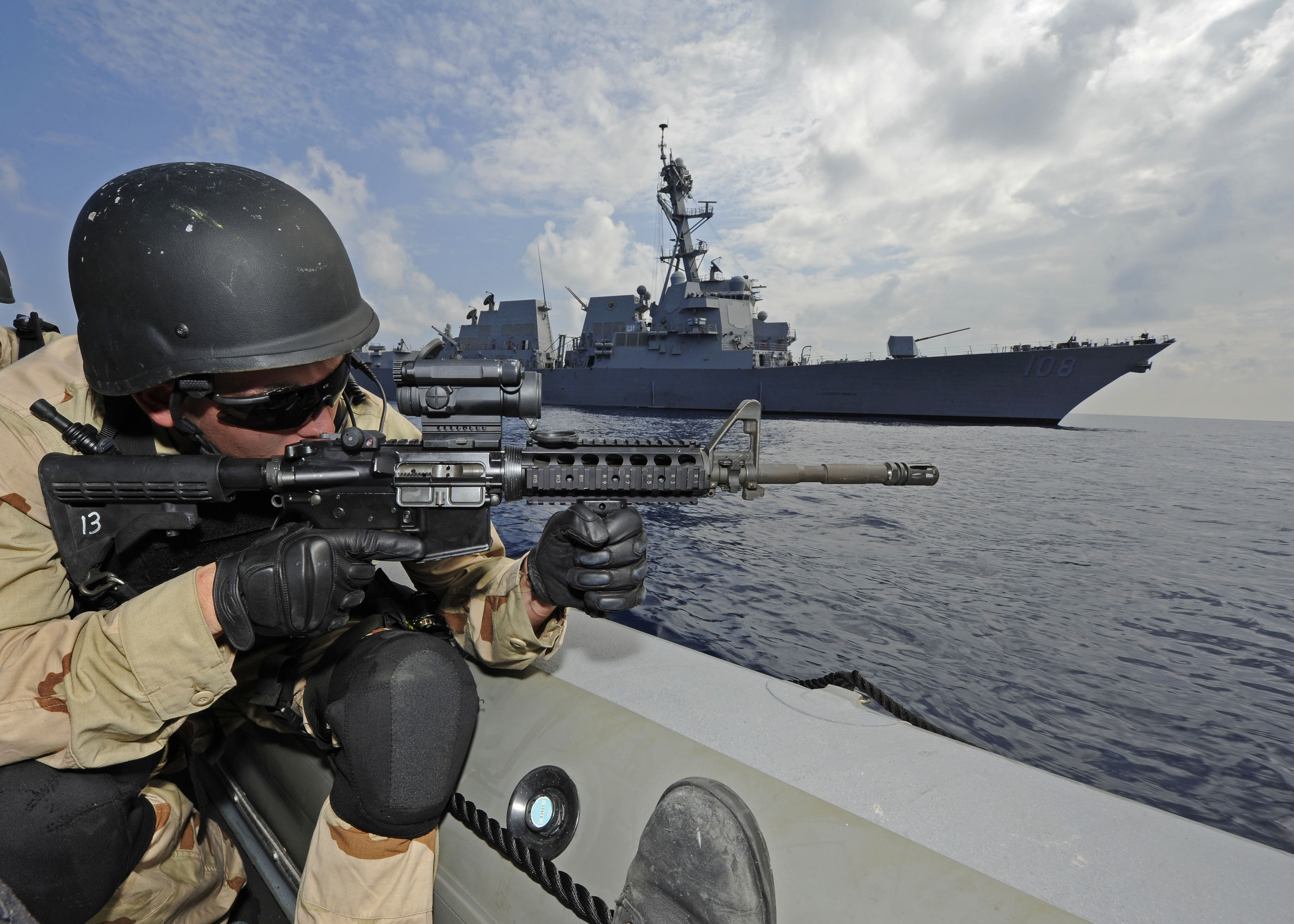 File:US Navy 111116-N-VH839-045 A Sailor conducts VBSS ...