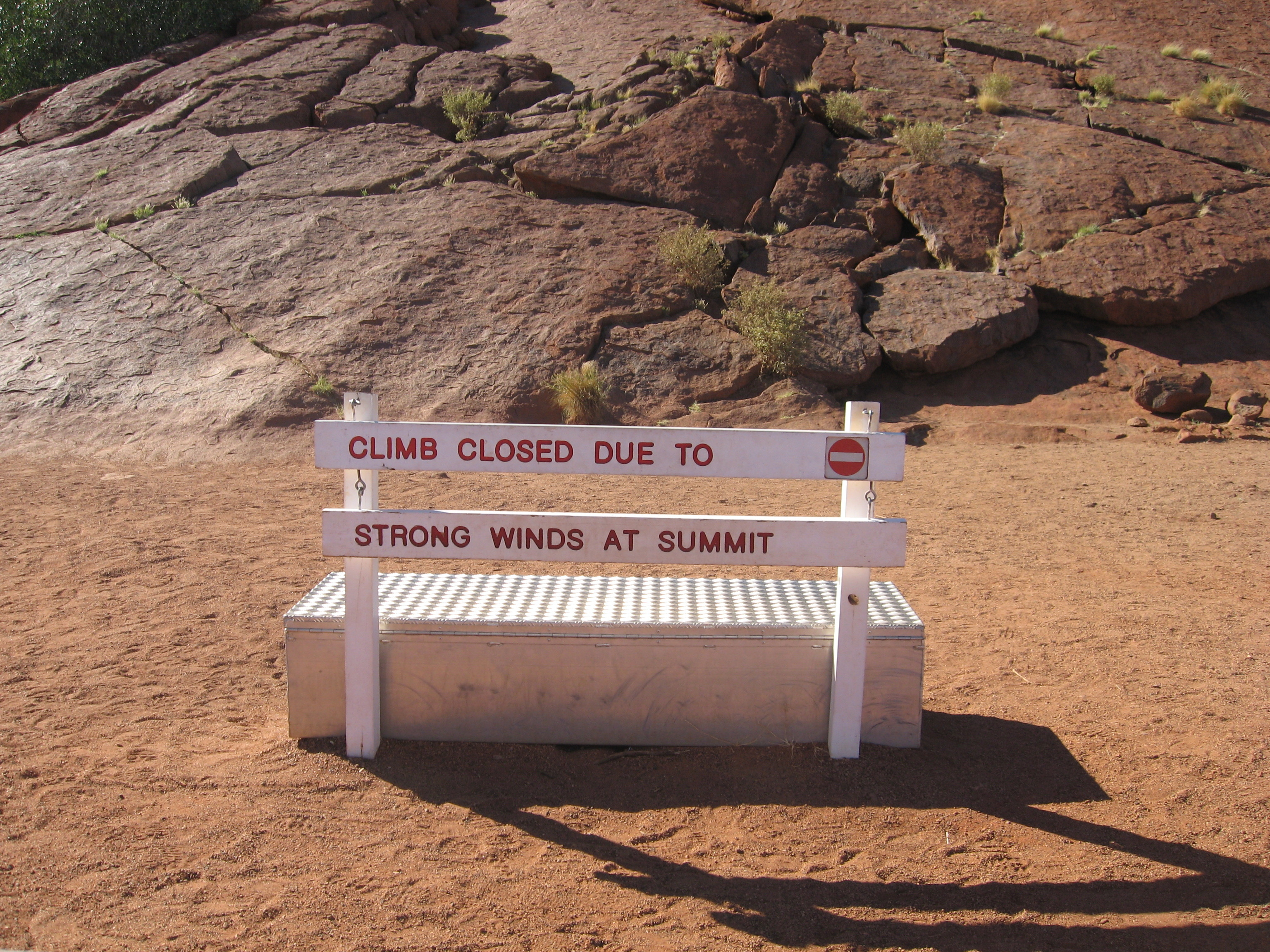 File Uluru Walk Wikimedia Commons
