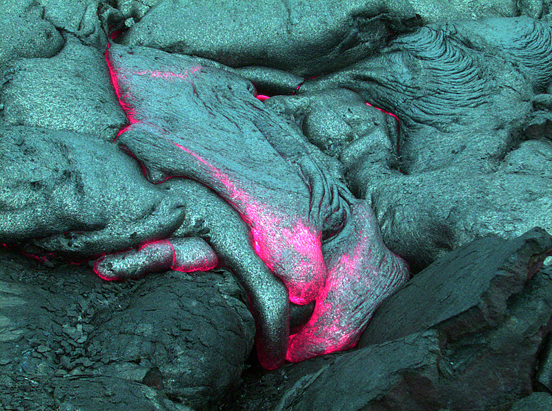 Tập tin:Underwater lava flow, off Hawaii.jpg