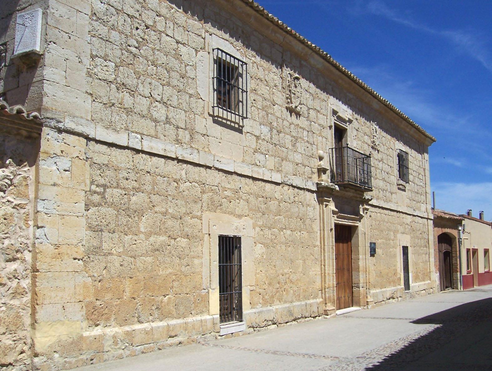 Fachada de la Casona de la Mayorazga donde se ubica el Centro Etnográfico.