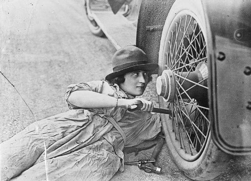 the plight of women in the workplace after the first world war The first world war was a  she was among one million british women who entered the workplace for the first  spud carroll in tears over daughter's plight.