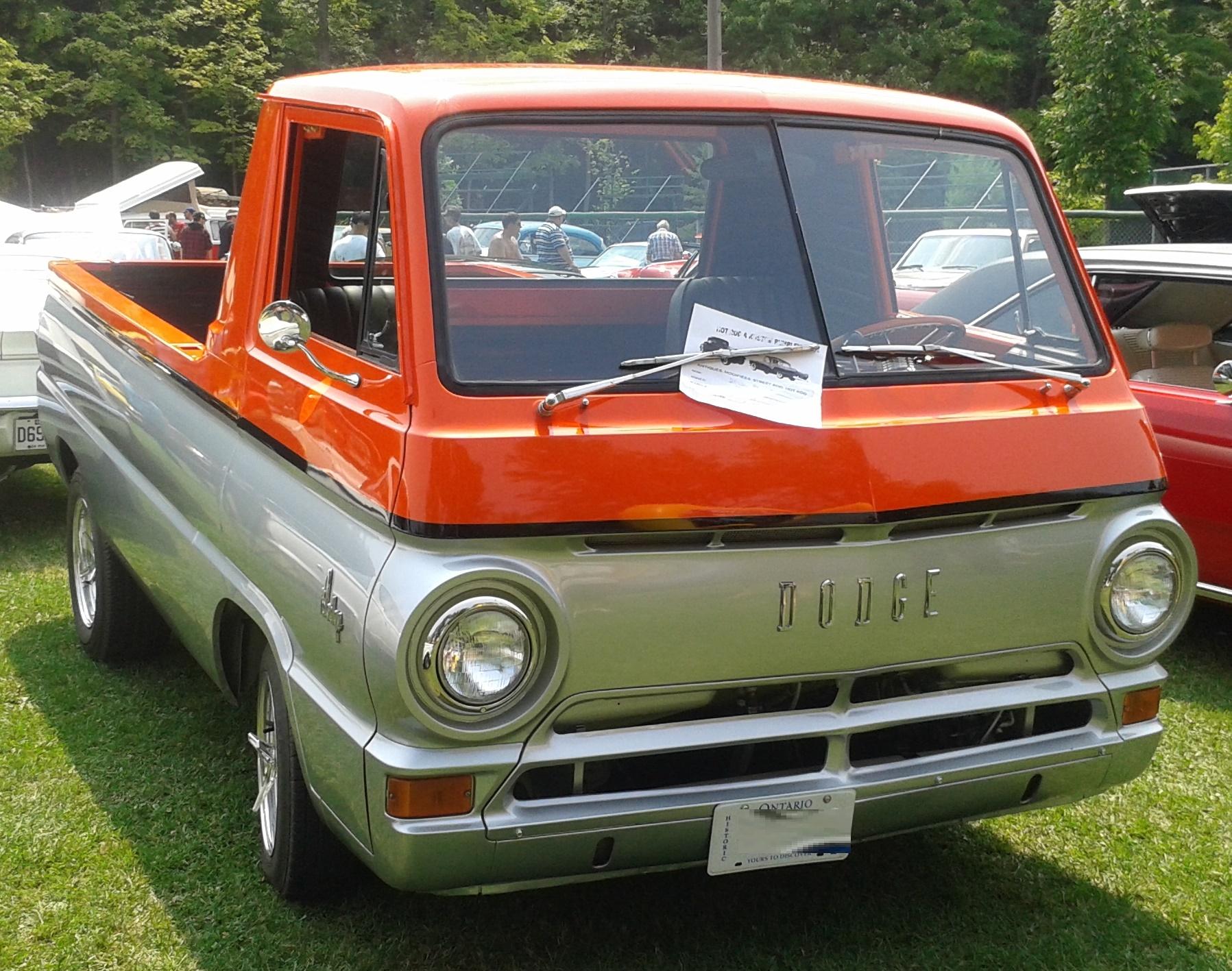 %2764_Dodge_A100_Pickup_%28Rassemblement