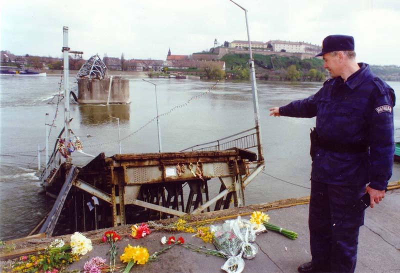 Срушени Варадински мост