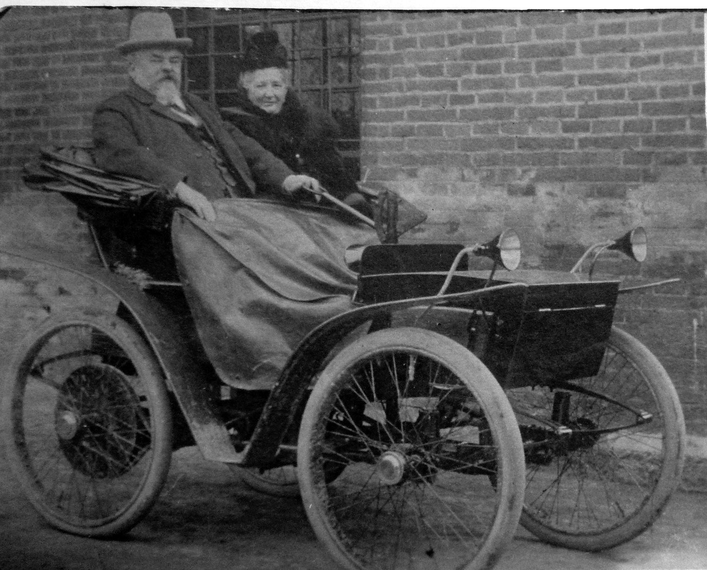 When Was The First Electric Car Made In The Usa