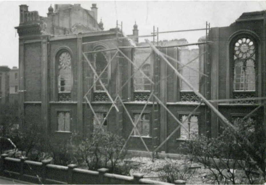 1940-Destruction of the Synagogue of Chorzow - Königshütte.jpg
