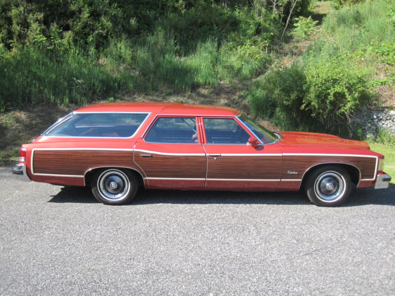 File:1976 Pontiac Safari wagon.jpg - Wikimedia Commons