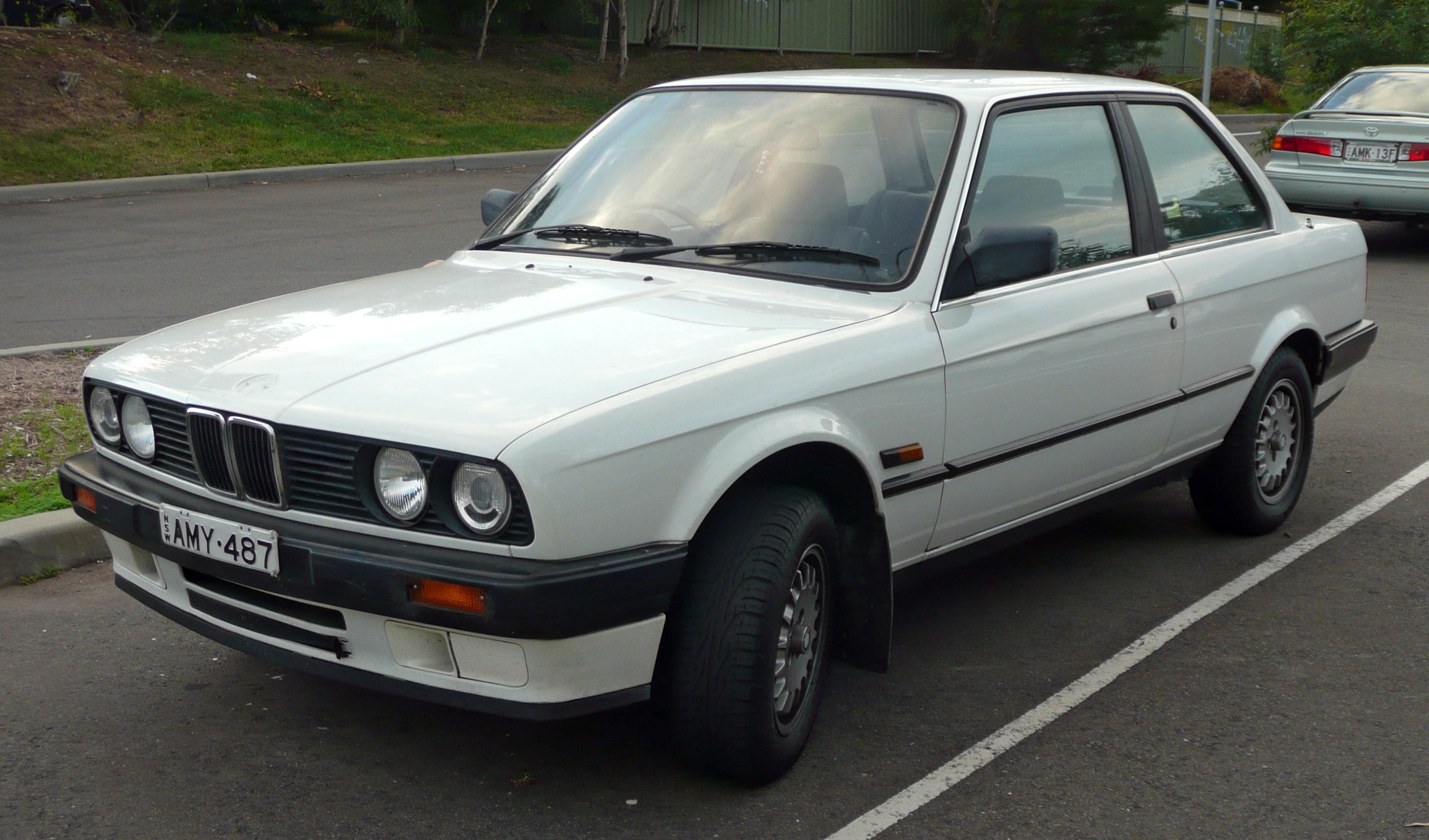 File 1988-1991 Bmw 318i  E30  2-door Sedan 01 Jpg
