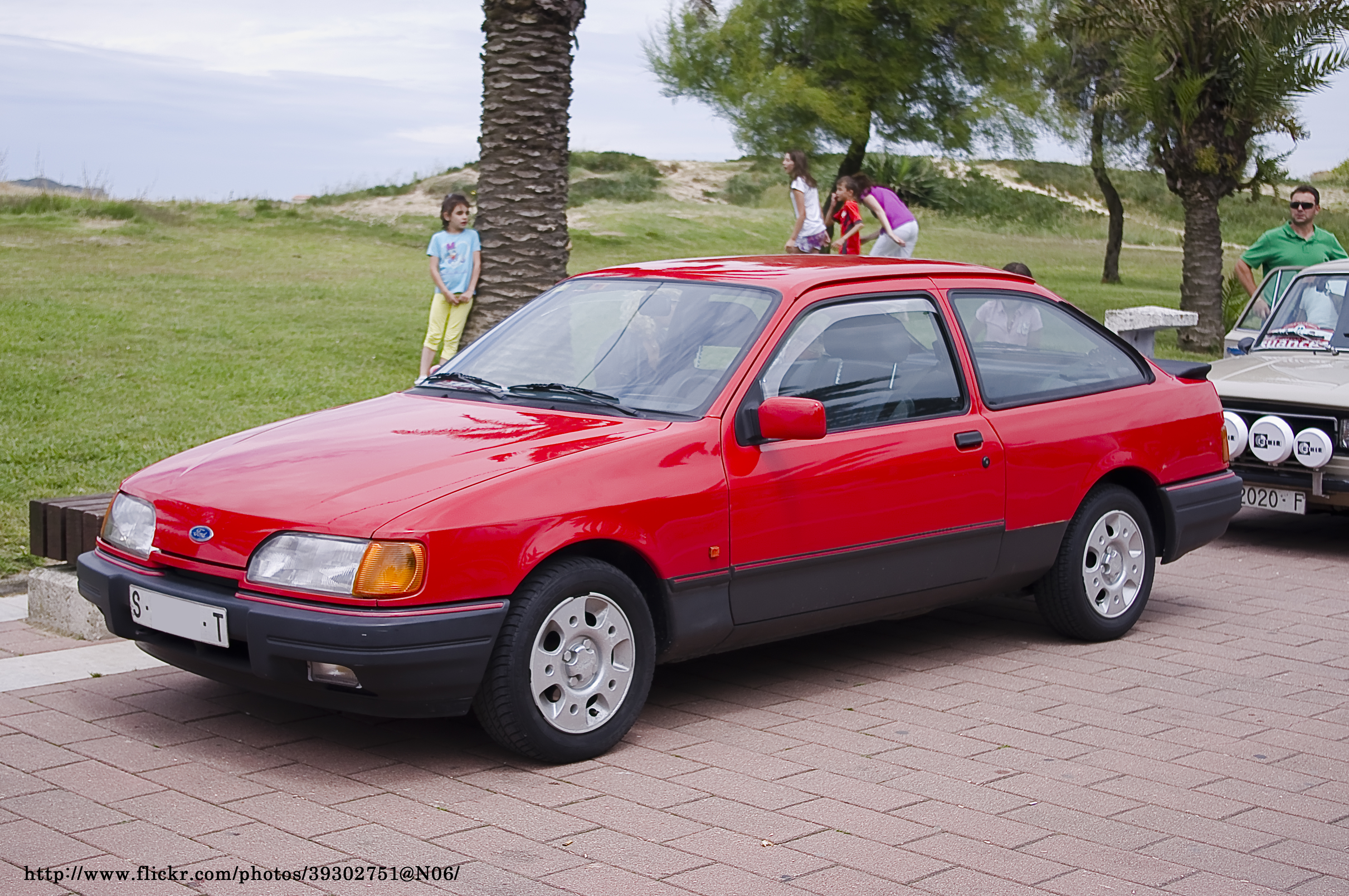 Mb S Coupe >> File:1989 Ford Sierra 2.0i S (6222336065).jpg - Wikimedia Commons